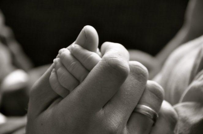 Hands 19862838